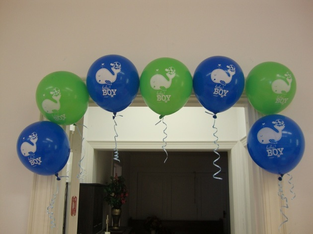 Props to my lil sis for blowing all of these balloons up! =]